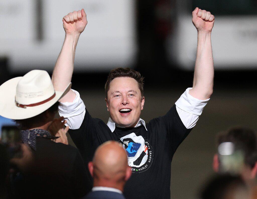 特斯拉首席执行官埃隆·马斯克(Elon Musk)现在是世界上最富有的人.png
